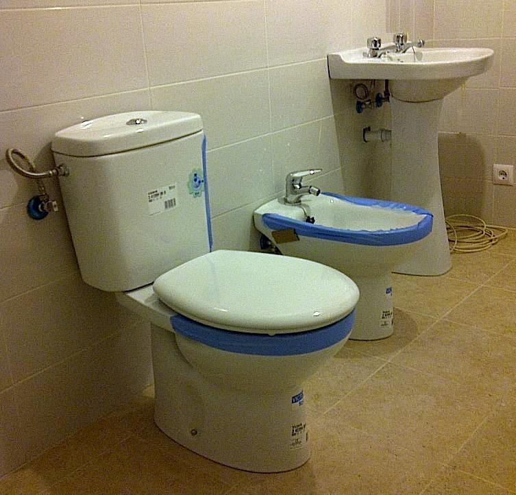 Foto instalacion saneamientos griferia de fontyreg for Saneamientos zaragoza