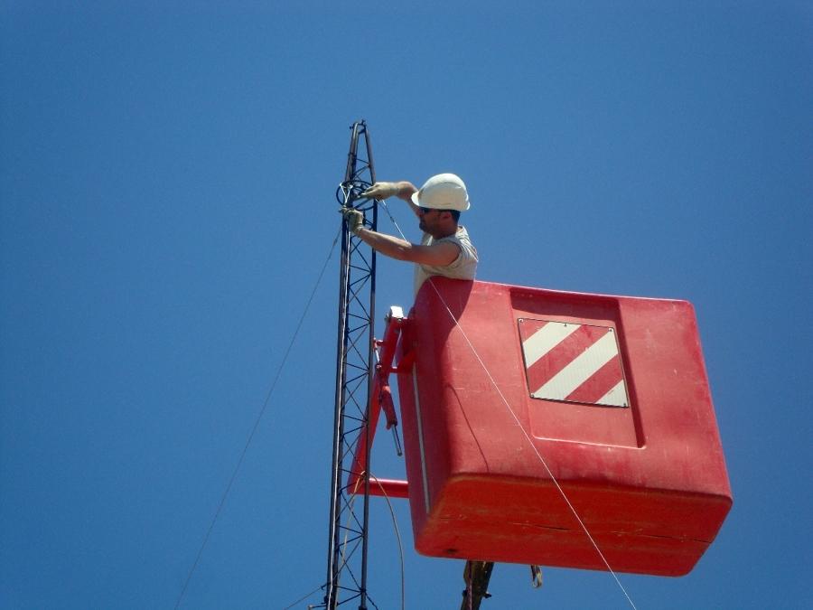 Instalacion torre para antena comunitaria