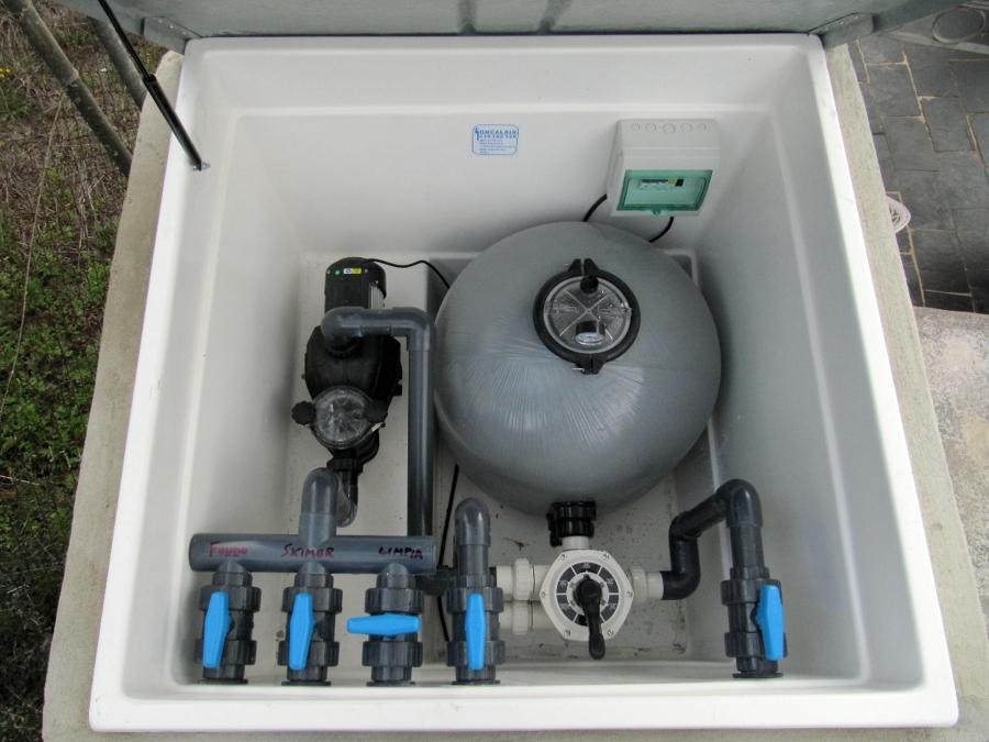 Instalación y mantenimiento depurador piscina.