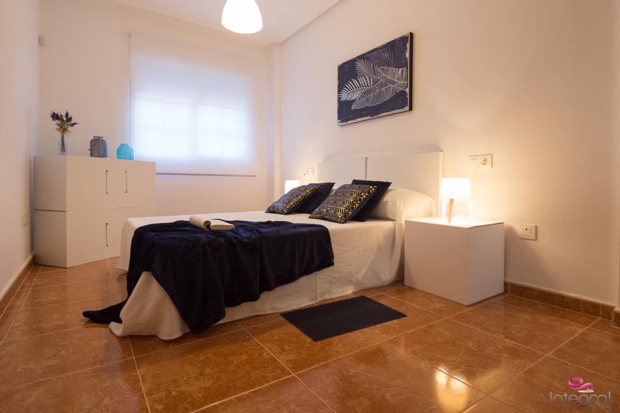 Home staging - Dormitorio con muebles de cartón