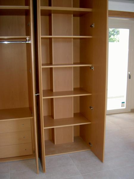 Foto interior armario de indurco sa 186392 habitissimo - Modulos interior armario ...