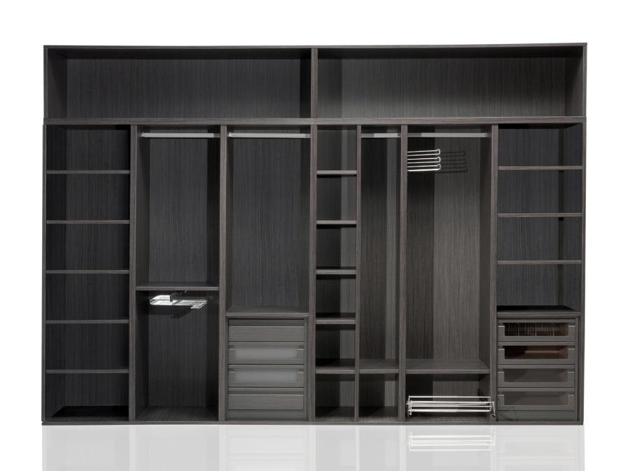 Foto interior de armario 1 de mega s l 136845 habitissimo for Armarios empotrados modernos