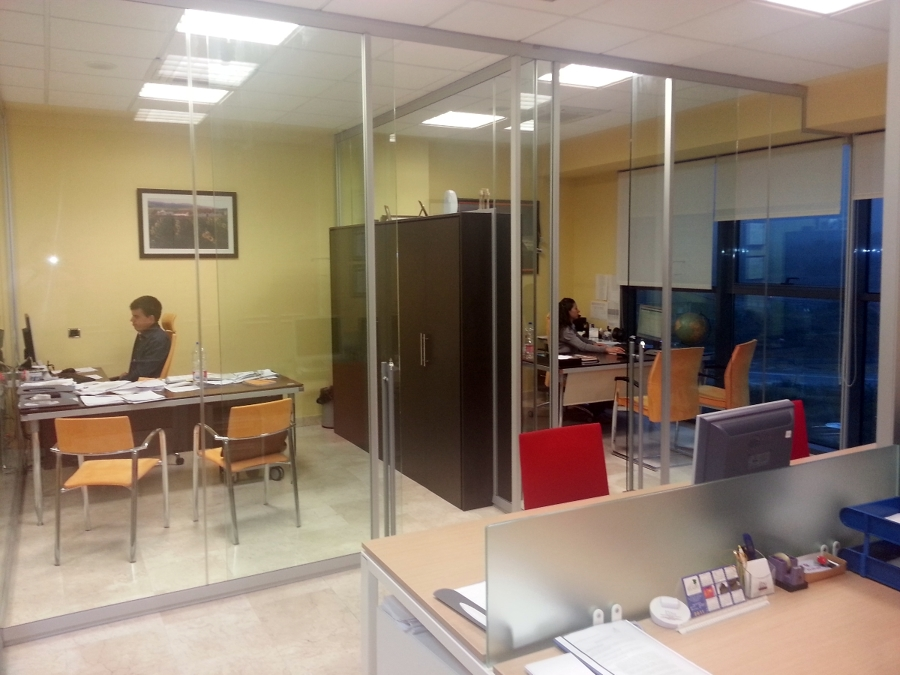 Oficina decoracion moderna for Fotos de oficinas modernas