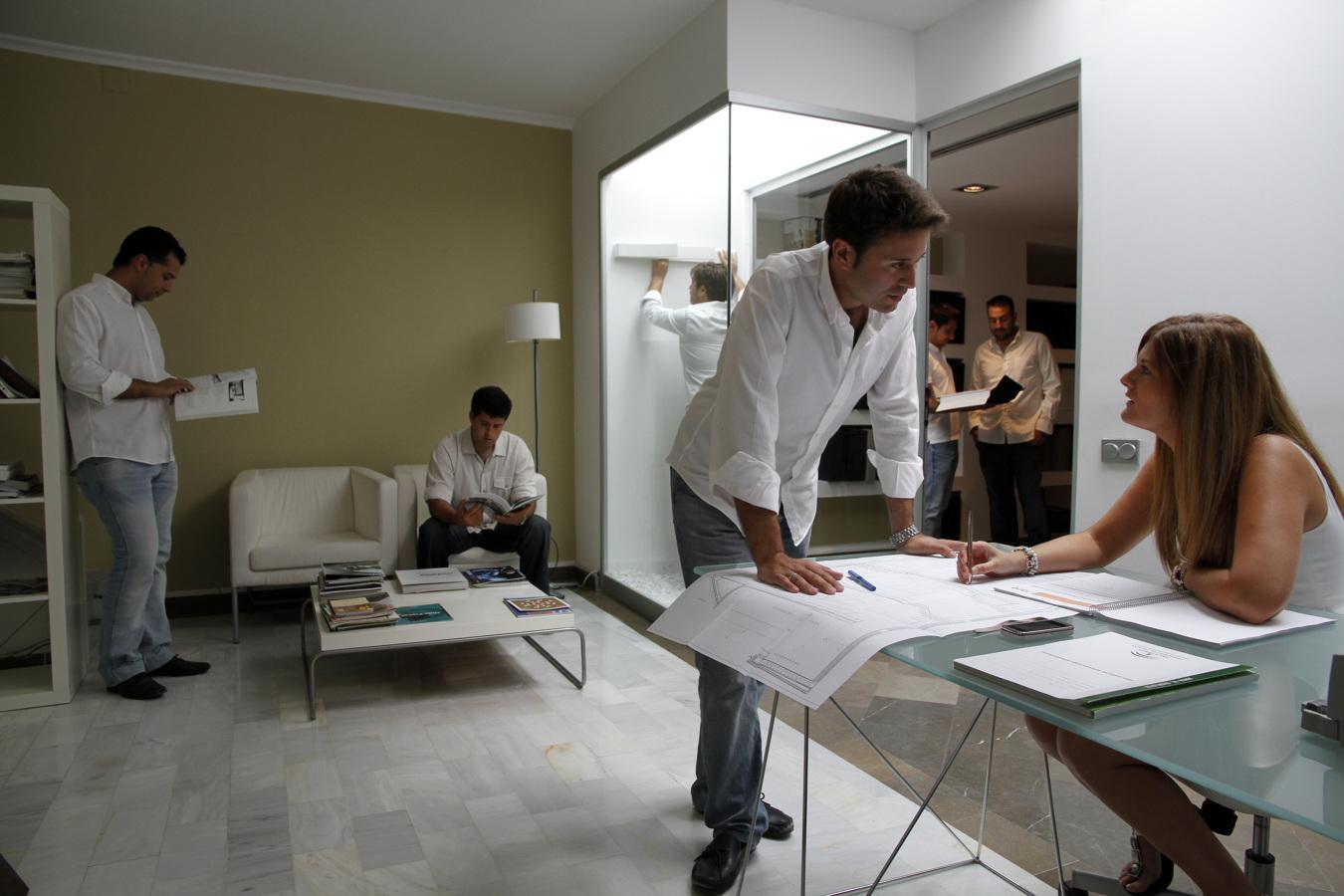 Foto interior estudio dise o de estudio arquitectura for Estudios arquitectura zaragoza