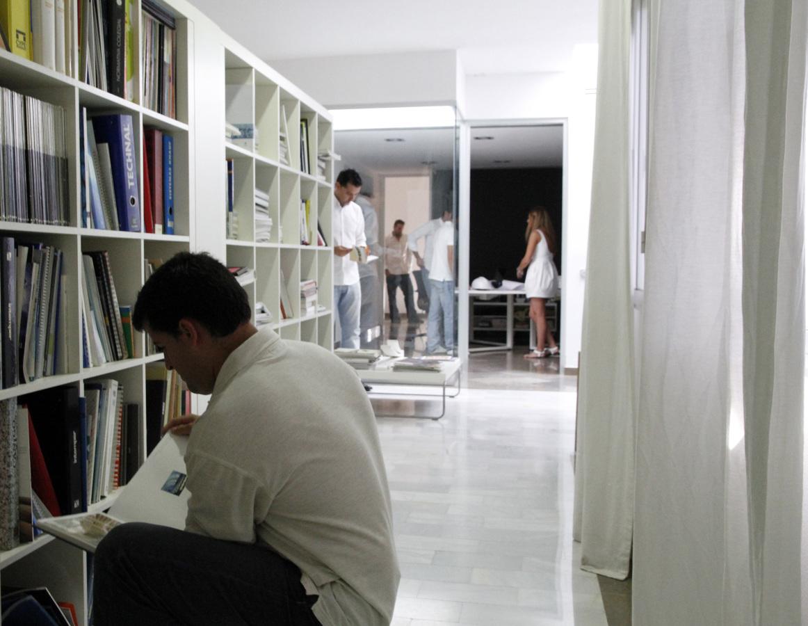 Foto interior estudio dise o de estudio arquitectura - Estudio arquitectura toledo ...