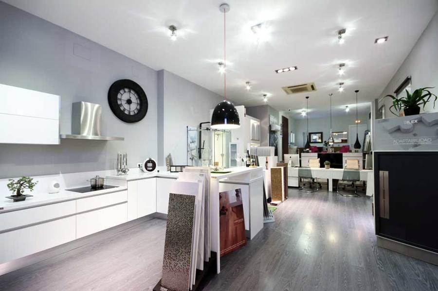 Foto interior tienda reformas martinez de martinez - Reformas integrales sevilla ...