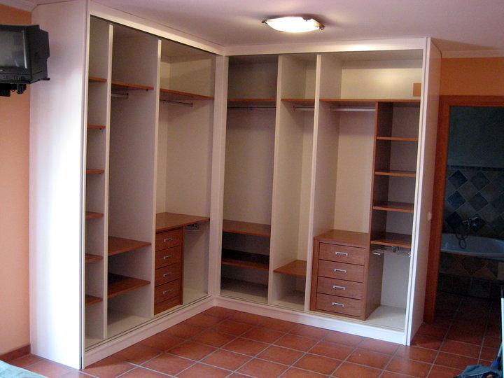 Interiores de armarios juveniles for Interiores de armarios