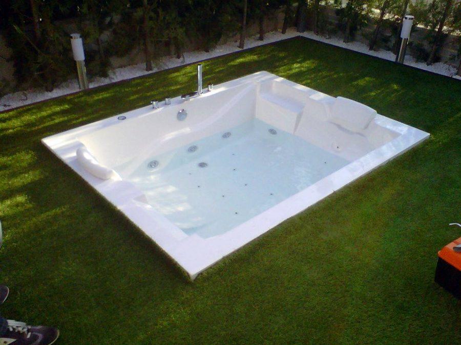 Foto jacuzzi al aire libre de 24 servi express 325399 habitissimo - Jacuzzi aire libre ...