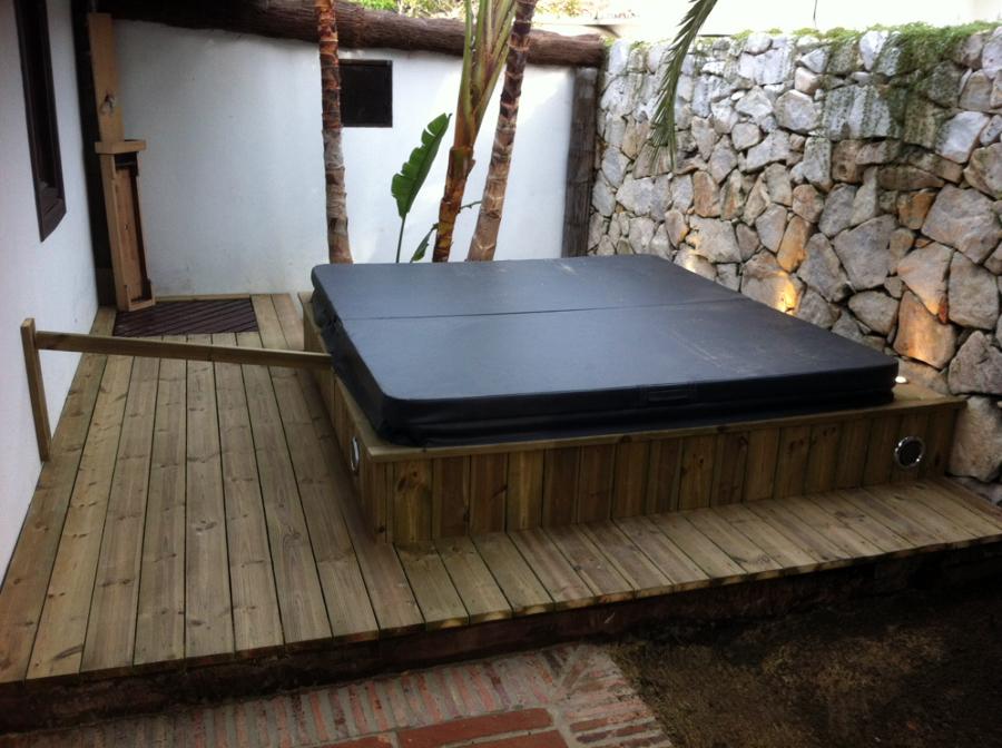 Foto jacuzzi exterior instalado de alan reformas 275559 for Jacuzzi de segunda mano exterior