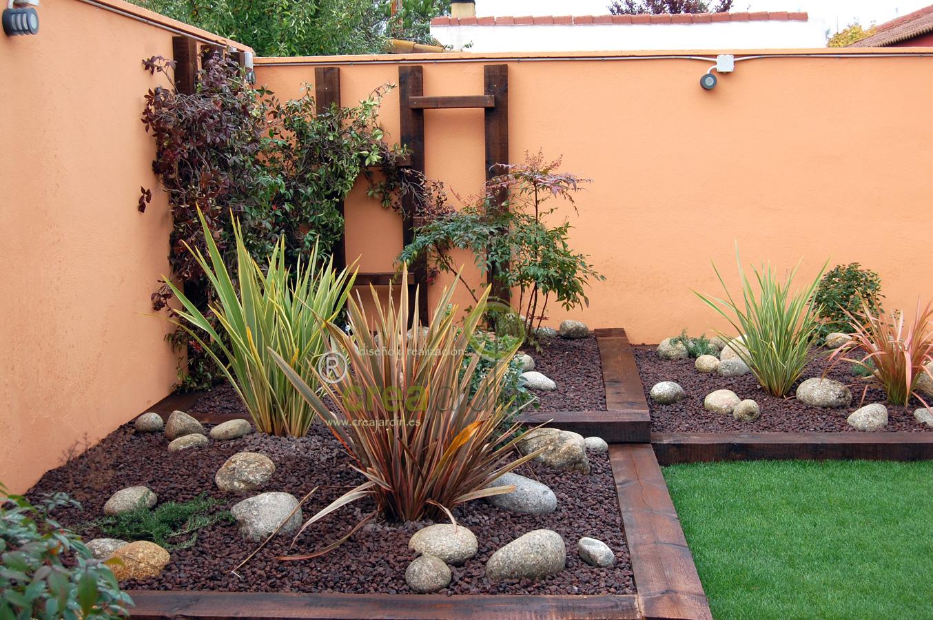 Foto jard n de bajo mantenimiento de creajardin 436773 for Jardines con poco mantenimiento