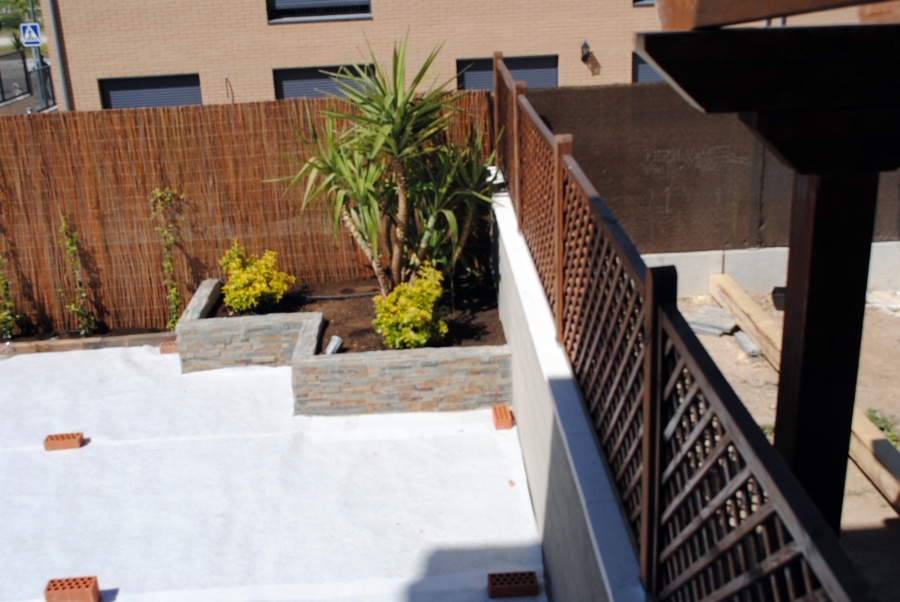 Foto jardinera de obra de reformas pedro 364489 - Jardineras de obra exterior ...