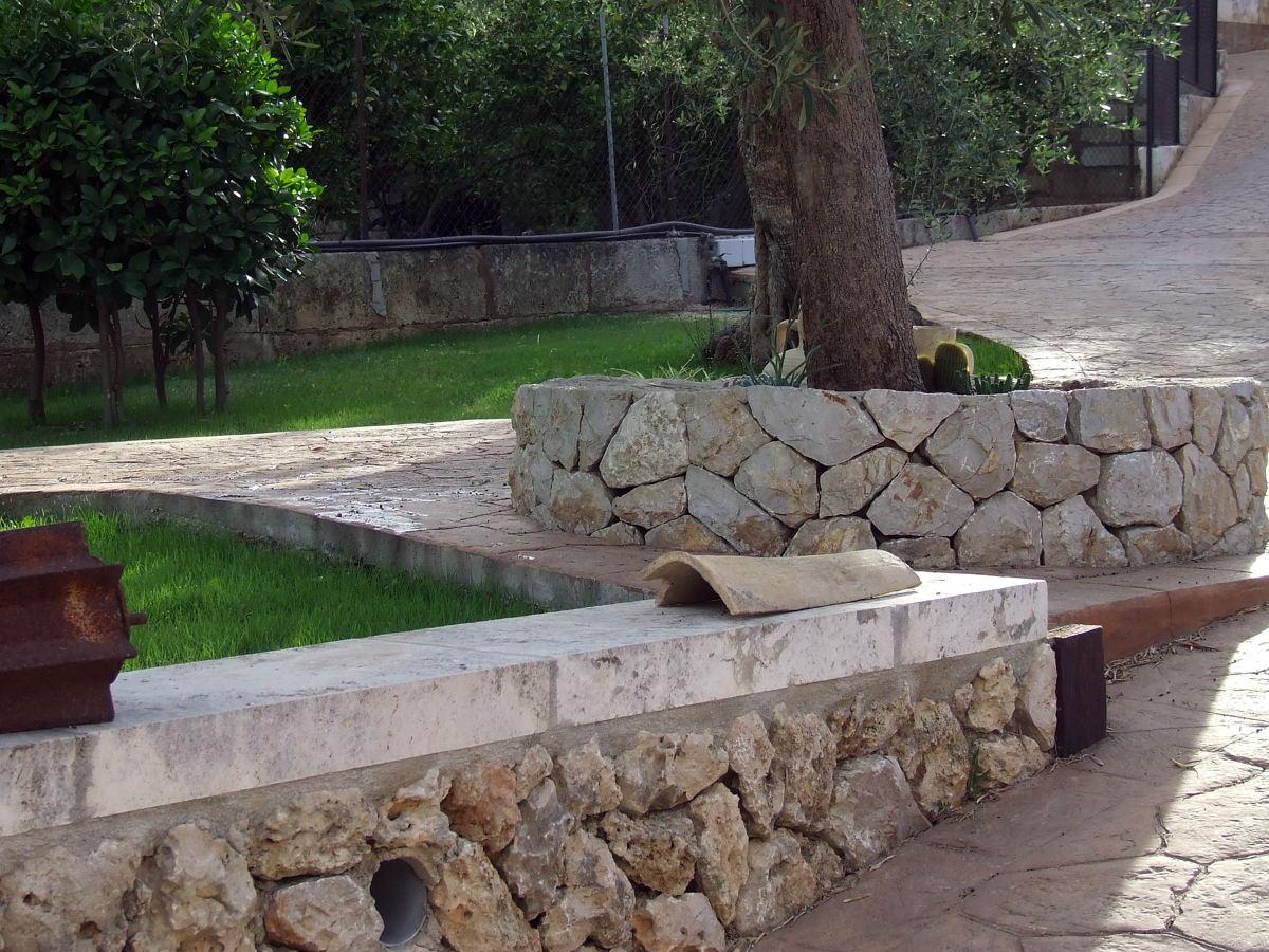 gaviones decorativos para el jard n y jardiner a Foto jardinera y peque o muro de tomeu moreno 228335 Muros para jardin