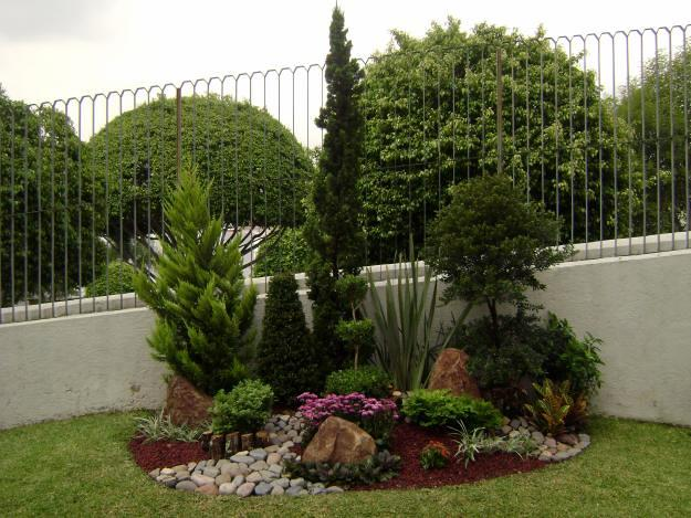 Foto jardiner a paisajismo en finca en avila de grupo for Jardineria huelva