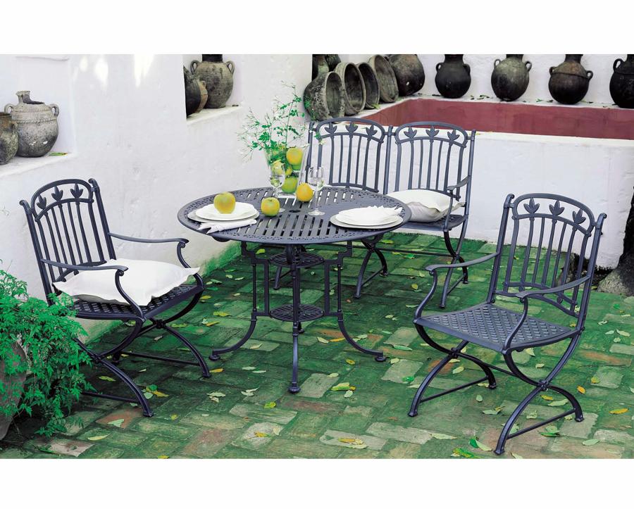 Foto juego de jard n con mesa sillas y sillon de for Juego de mesa y sillas de jardin