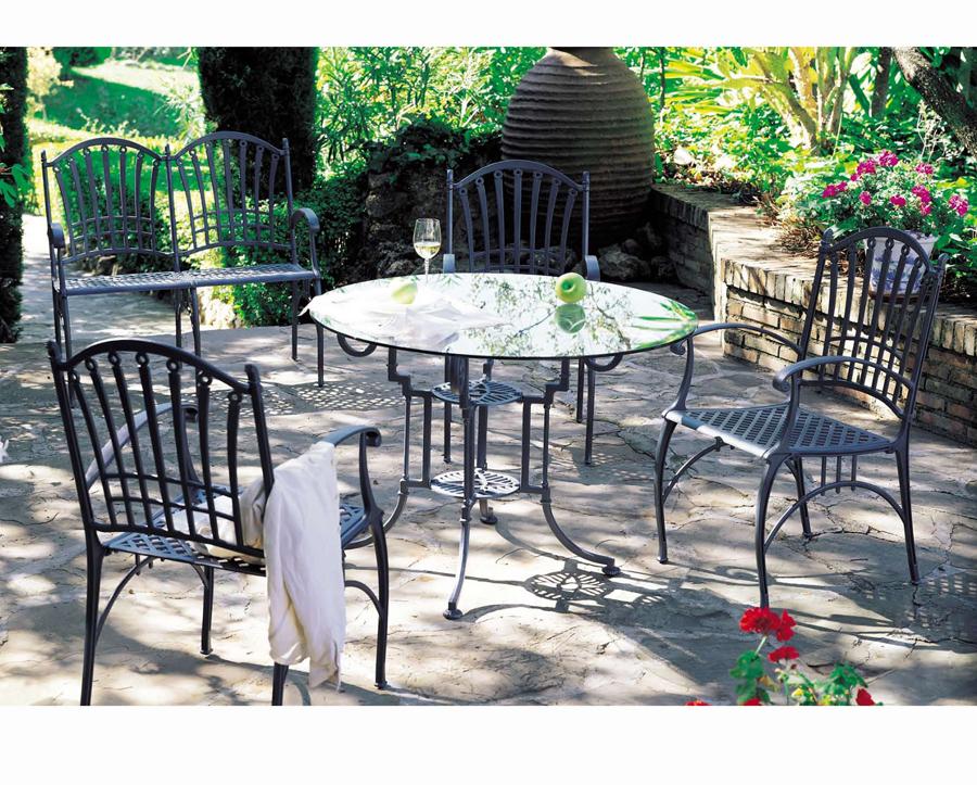 Foto juego de jard n mesa con sillas y sillones de for Juego de mesa y sillas de jardin