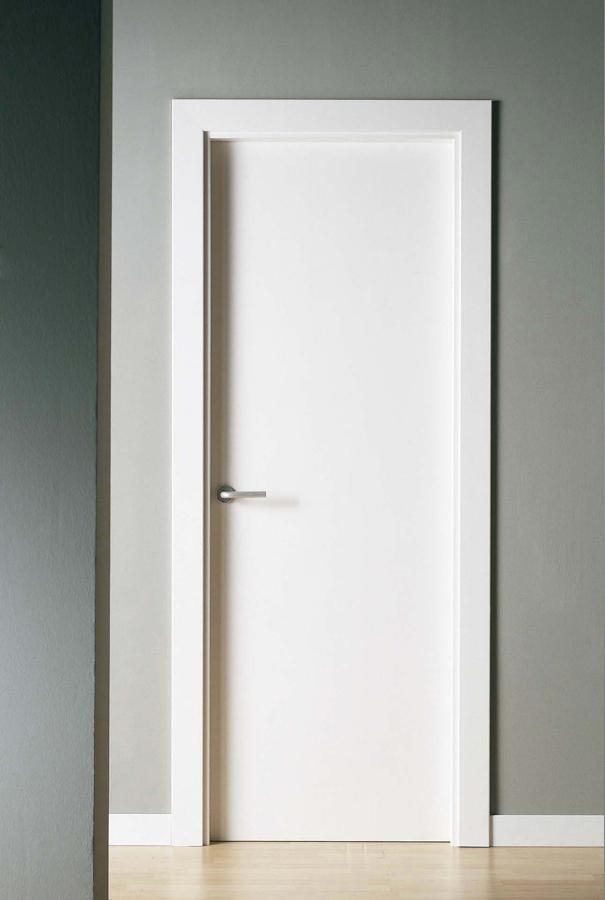 Foto lacado de puertas marcos y rodapie de servimax - Marcos de puertas ...