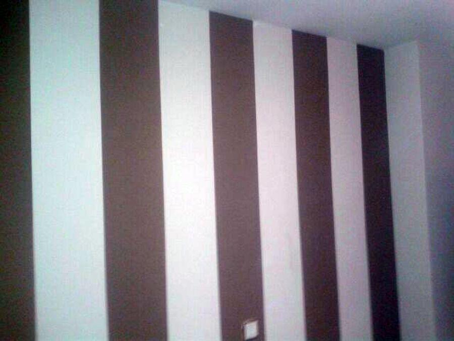 Foto: Lacar Mobiliario Dormitorio y Pintar la Estancia con una Pared ...