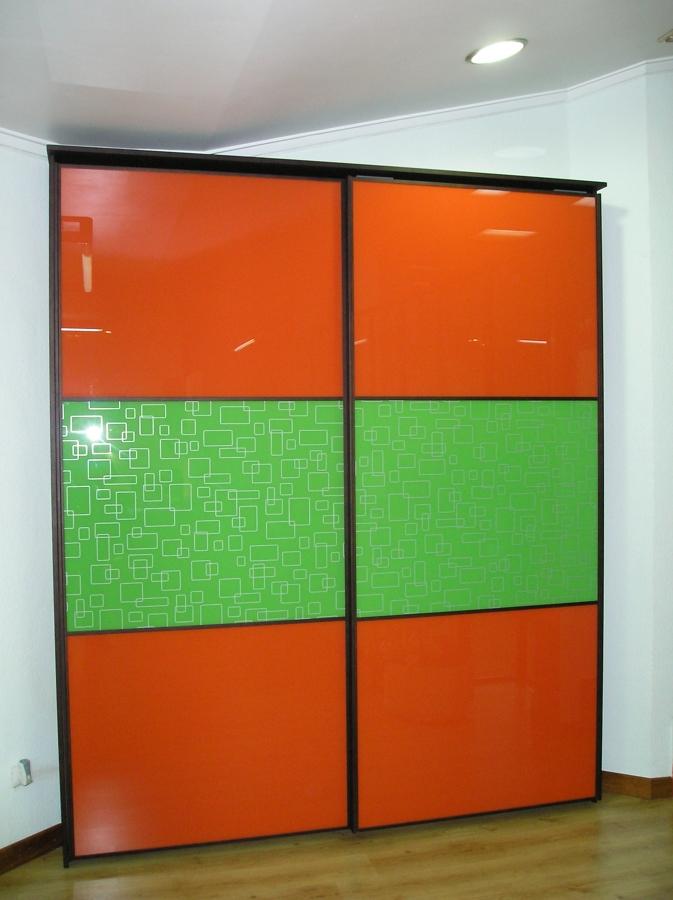 Foto armario puertas correderas exteriores de carpinteria - Armarios para exteriores ...