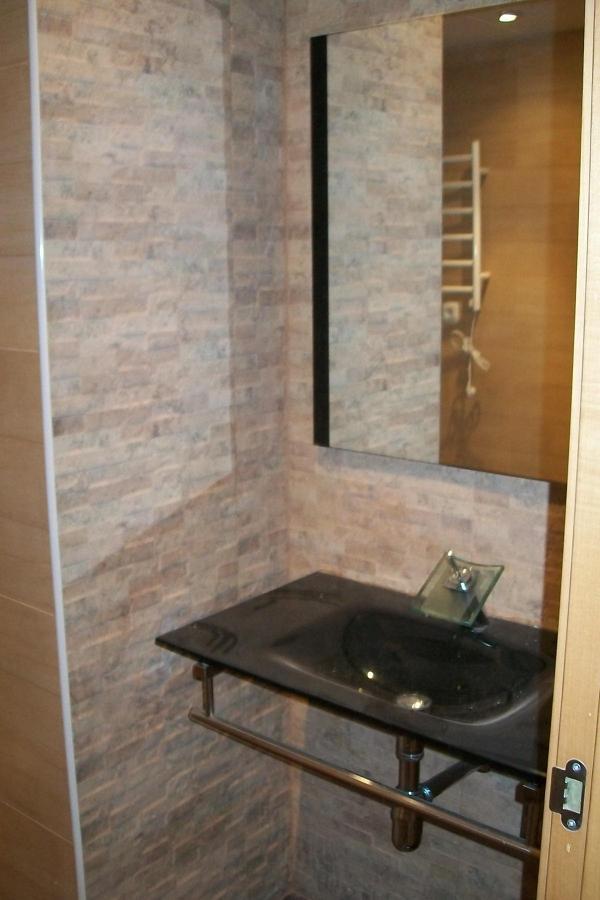 Foto lavabo de cristal de unireformas 594897 habitissimo - Lavabo de cristal ...