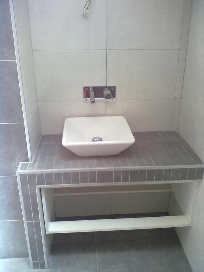 Foto lavabo de obra de reformas g r g 544902 habitissimo for Muebles de lavabo de obra