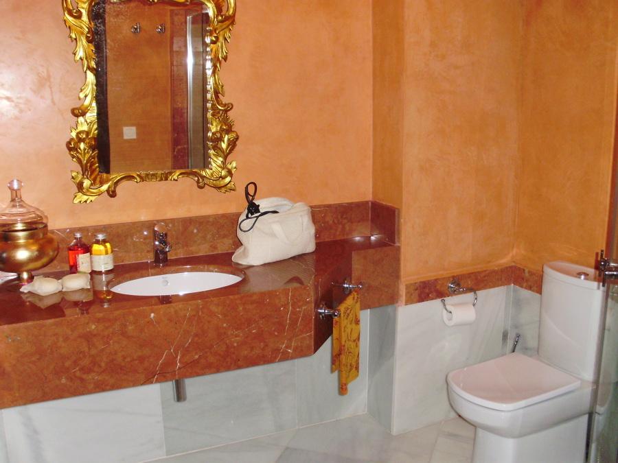 Foto lavabos m rmol colores colgados de construcciones for Marmol translucido de colores vivos
