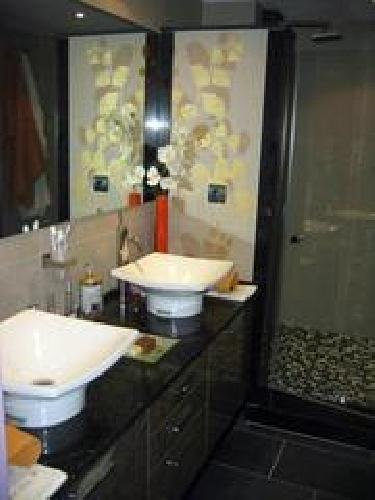 Foto lavabos sobre encimera de silestone de dise o de - Lavabos de diseno ...