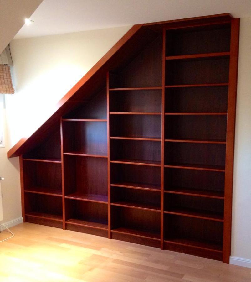 Foto librer a bajo escalera de profil 532052 habitissimo for Escalera libreria