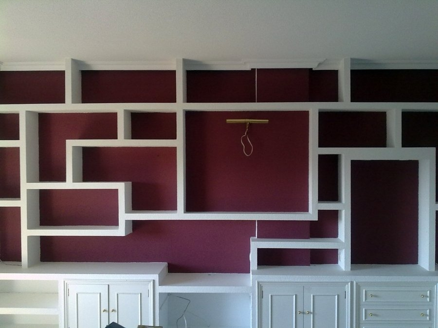 Foto libreria de pladur en dos tonos de color de - Muebles de colores pintados ...