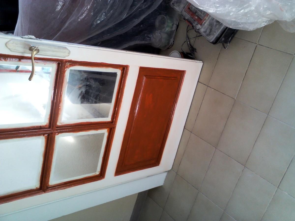 Lijar y pintar puerta pasillo a comedor.