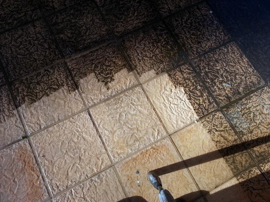Limpieza con máquina hidrolimpiadora