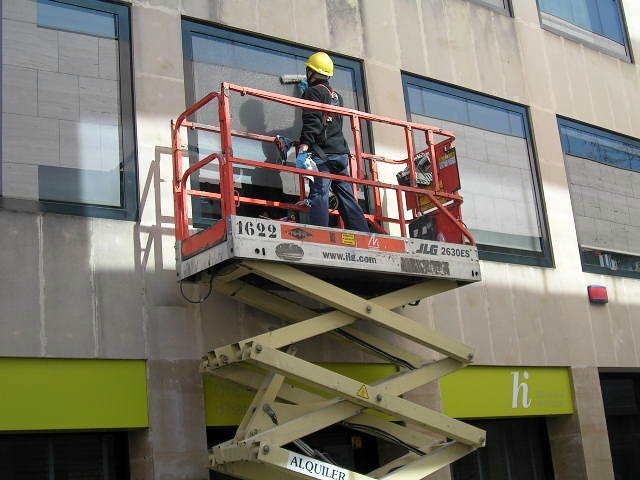 Limpieza de cristales de edificios
