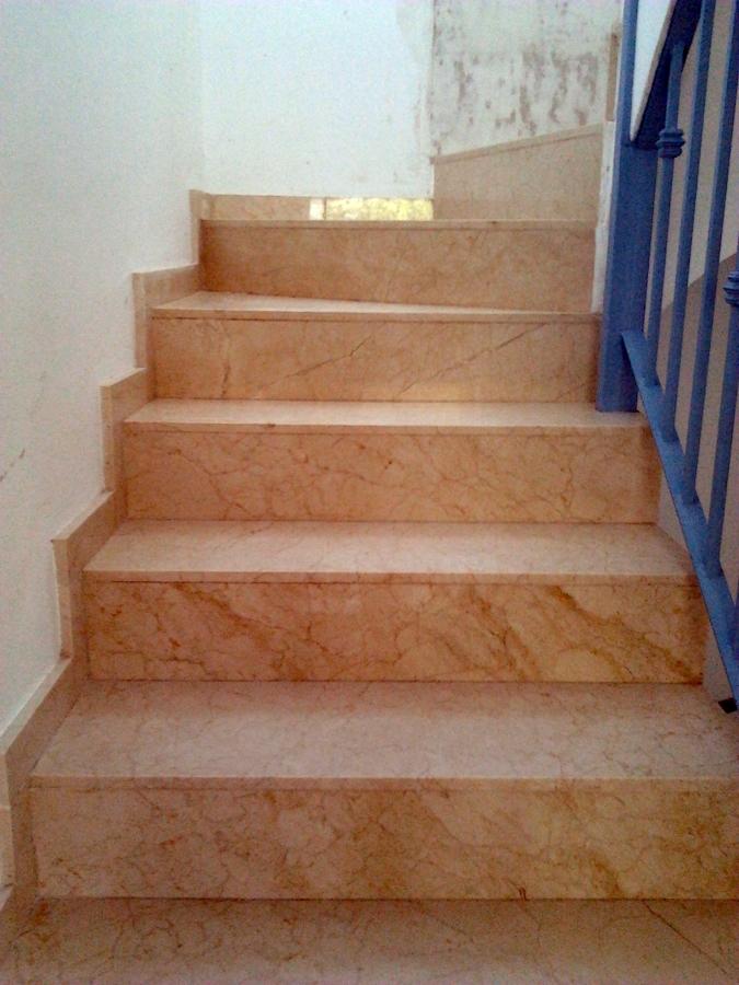 Limpieza de escalera