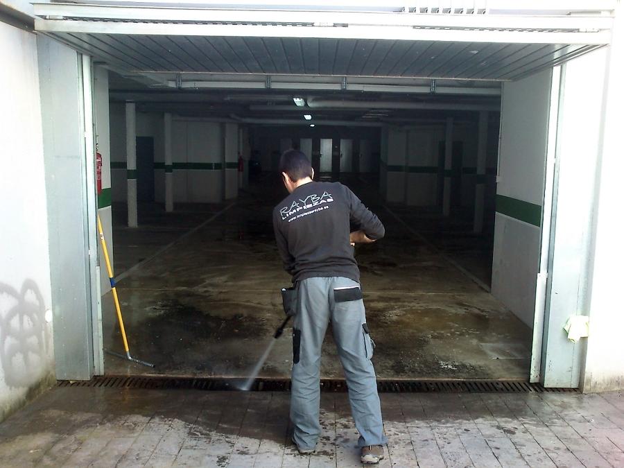 Limpieza de Garajes con Agua a Presion