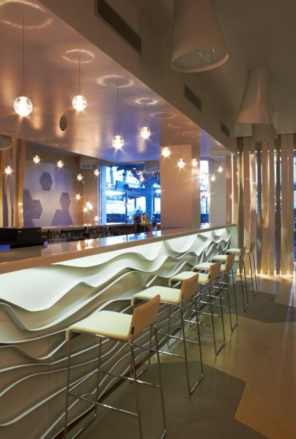 Ejecución de bar- coctelería de diseño en Blanes.