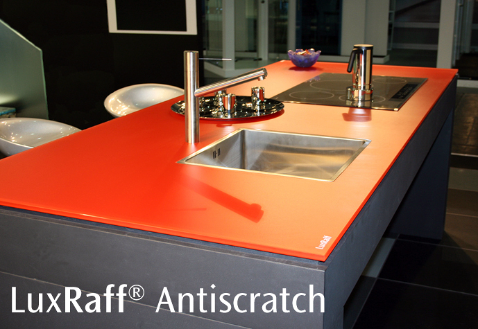 LuxRaff Antiscratch, Vidrio ultra-resistente a rayadas.