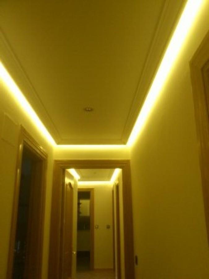Foto luz indirecta pasillo de olbapelectric 681346 - Luz indirecta escayola ...