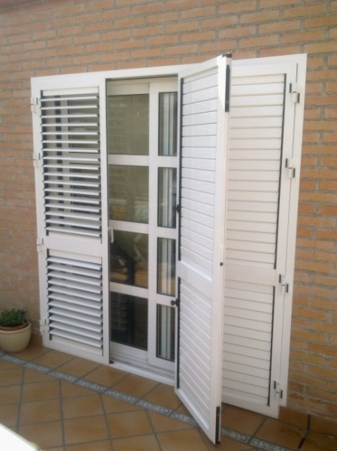 Foto puerta mallorquina de aluminidecor 845097 habitissimo - Puertas mallorquinas ...