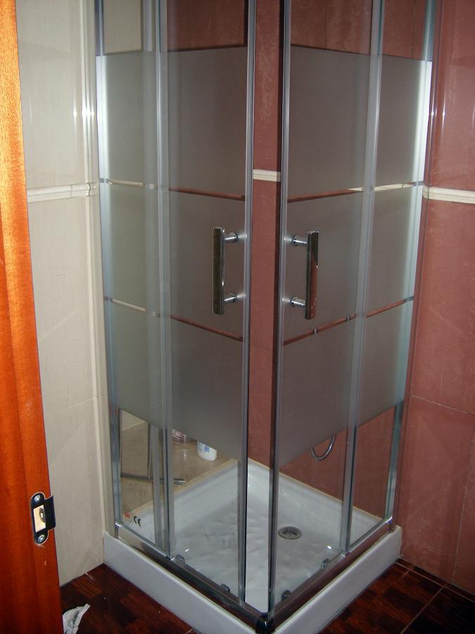 Foto mampara con plato ducha de piedramole construcciones - Plato ducha con mampara ...