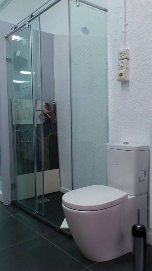 Foto mampara de ba o y ducha de dyc decoraci n 234291 - Fotos mamparas de ducha ...