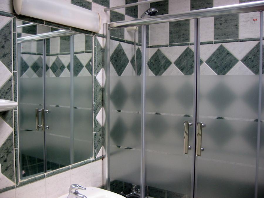 Foto mamparas de cristal para ducha y ba o a medida de - Mamparas de bano de cristal ...