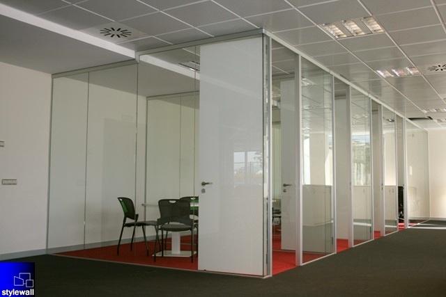 Foto mamparas divisorias de oficinas tabiques y muros for Mamparas de oficina sevilla