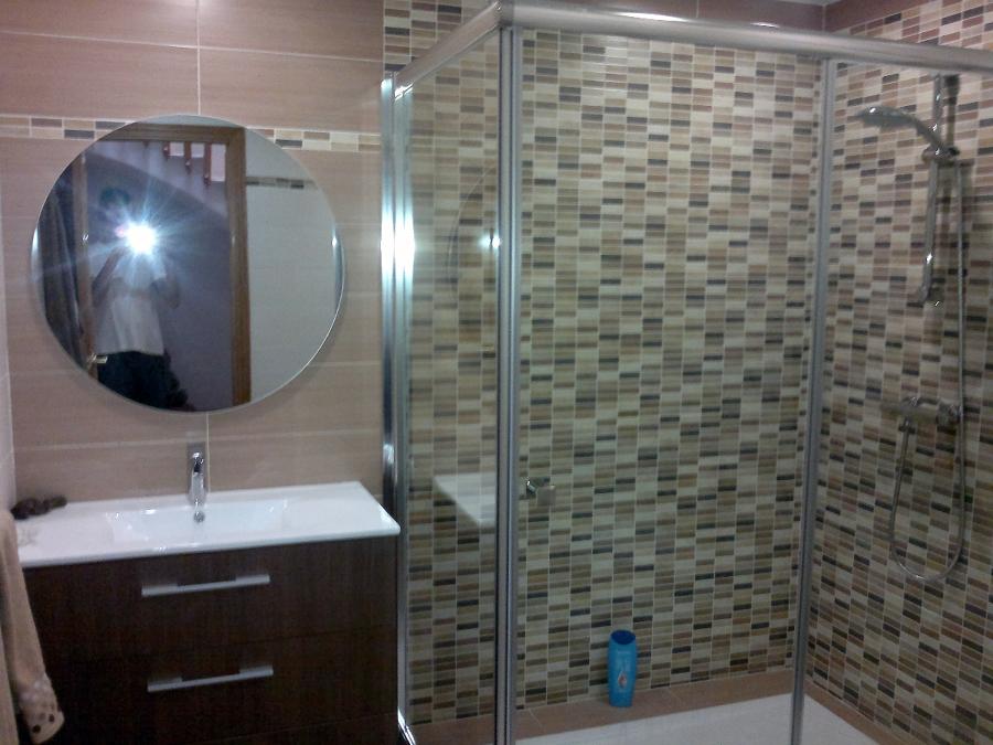 Foto mamparas platos de ducha de victor 243536 for Ver platos de ducha y precios