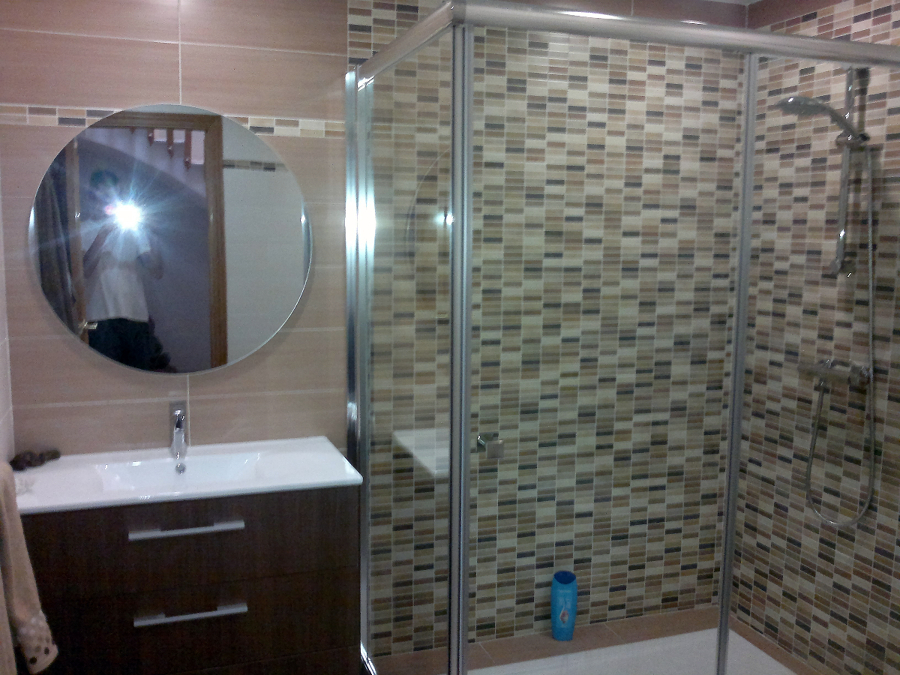 Foto mamparas platos de ducha de victor 243536 habitissimo - Mamparas plato ducha baratas ...