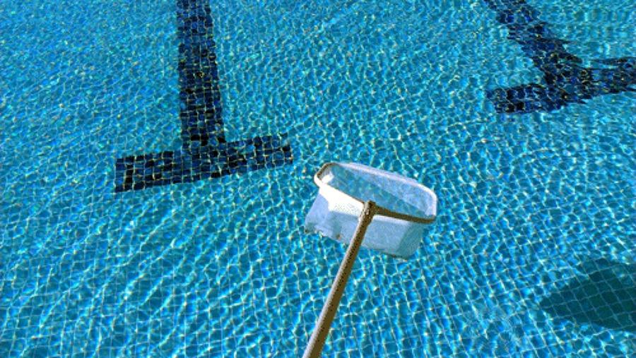 Foto mantenimiento integral piscinas mantenimiento for Precio mantenimiento piscina