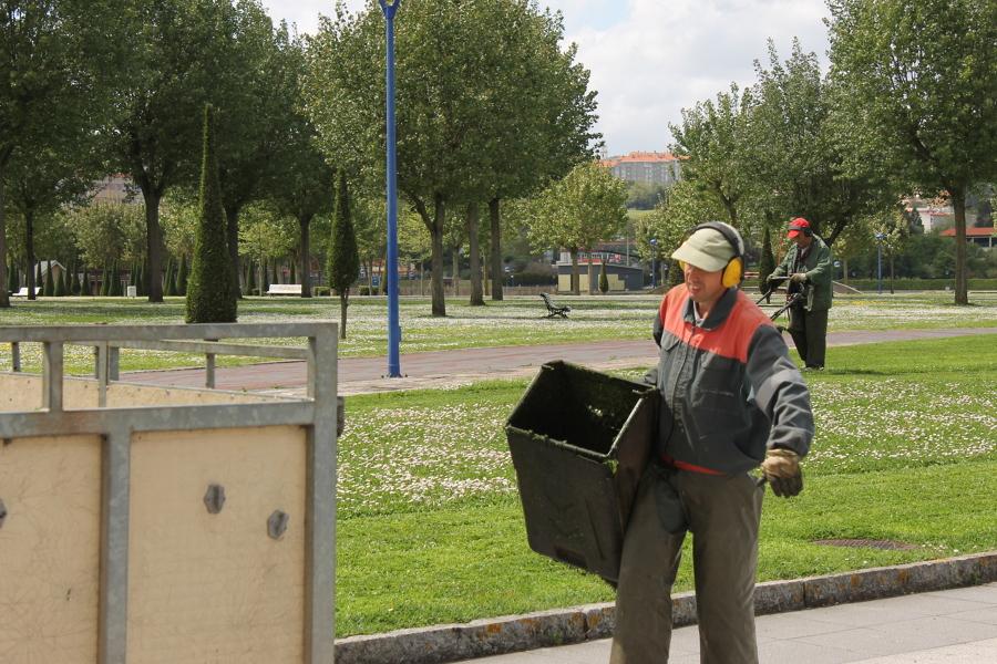 Foto mantenimiento parques y jardines p blicos de for Mantenimiento de parques y jardines