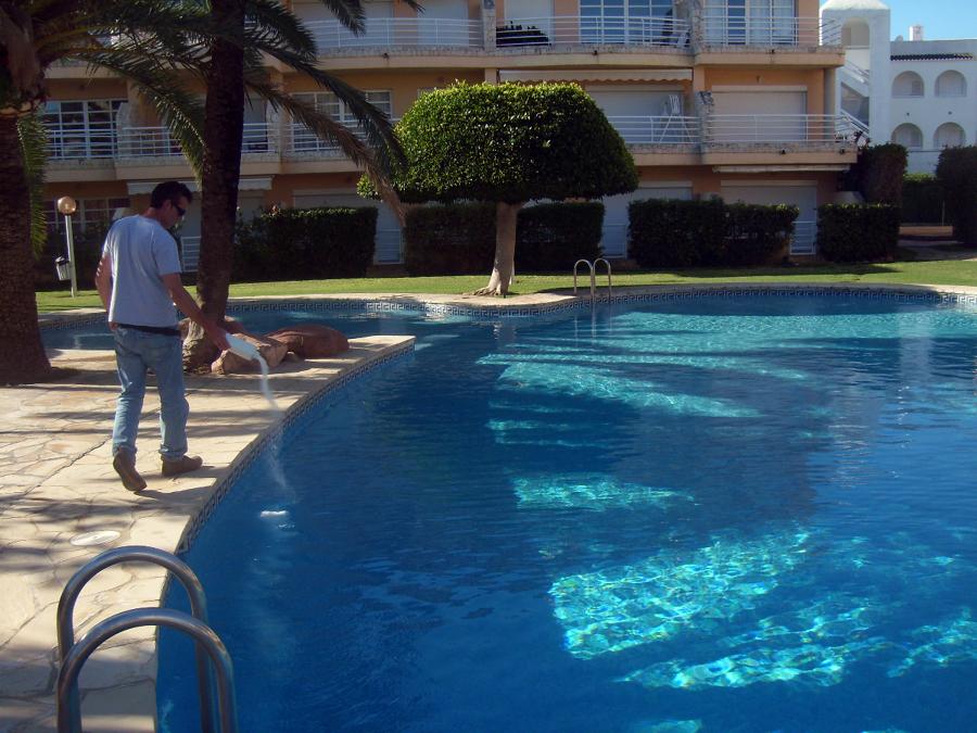 Foto mantenimiento piscinas comunitarias en javea de limpiopiscinas 186540 habitissimo - Mantenimiento piscinas valencia ...