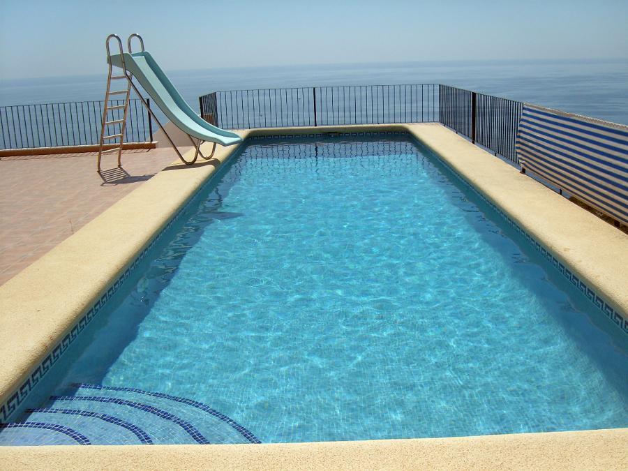 Foto mantenimiento piscinas en cumbre del sol de for Mantenimiento de piscinas