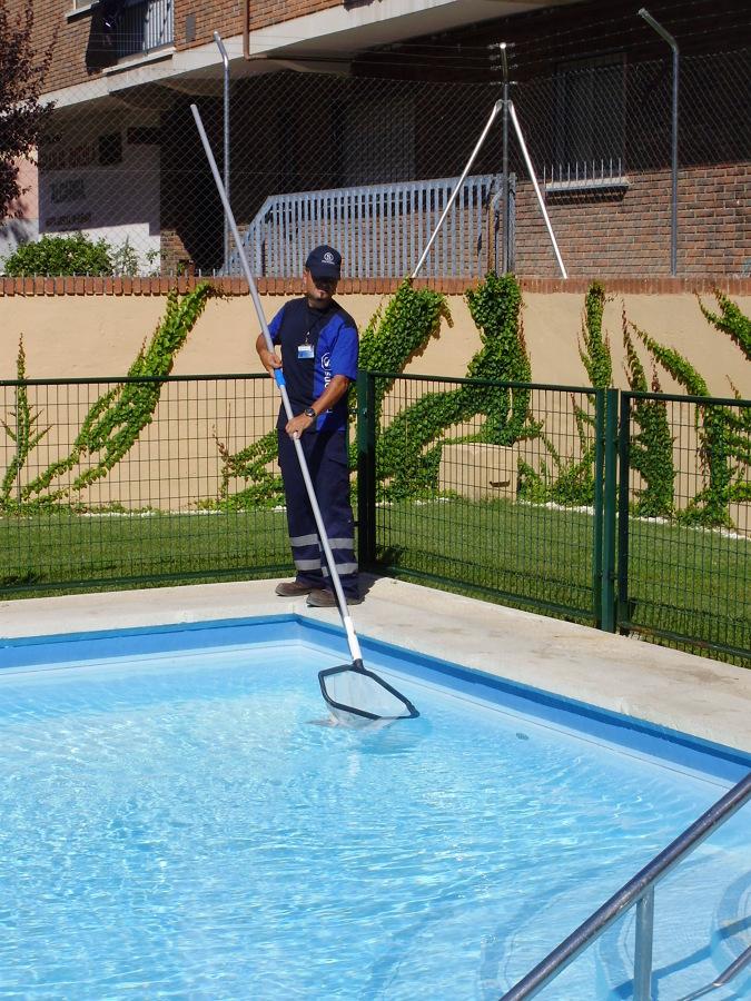 Foto mantenimiento piscinas de successu servicios for Piscinas de sal mantenimiento