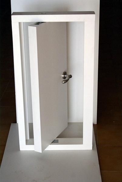 Foto maqueta puerta pivotante de neofusta 224652 - Como hacer puertas de armario ...