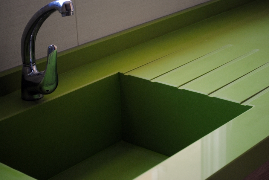 foto marmoles villena fregadero integrado silestone verde